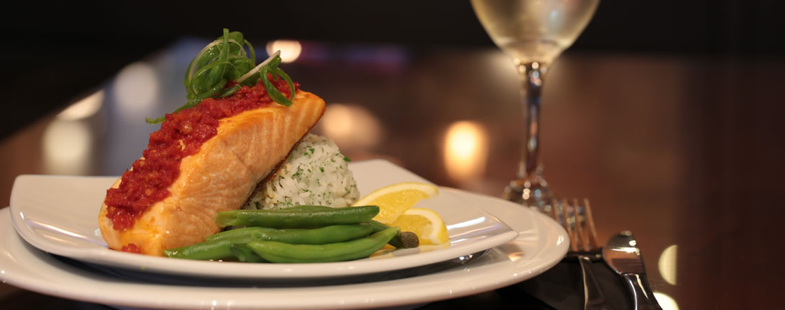 Our menu offers light snacks to full delicious meals so there is something for everyone. (photo: ©juergenschacke.com)